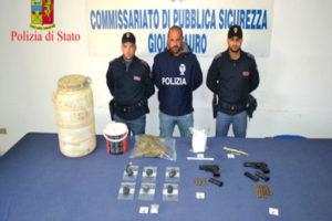 Armi: nascondevano pistole, tre persone arrestate a Gioia Tauro