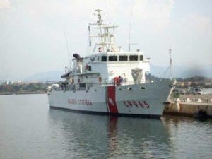 Migranti: in 300 attesi questa sera nel porto di Crotone