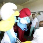 Lamezia: i Puffi regalano sorrisi ai piccoli pazienti dell'ospedale lametino