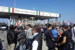 Porto Gioia Tauro: Morra(M5S), licenziamenti favore a 'ndrangheta