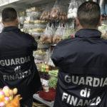 Contraffazione: Gdf sequestra 4,5 mln uova Pasqua decorative