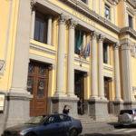 Catanzaro: minaccia darsi fuoco fuori Tribunale