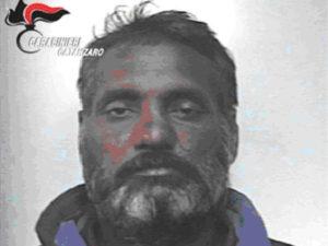 Ladro sorpreso in azione dai Cc, arrestato a Santa Caterina Jonio