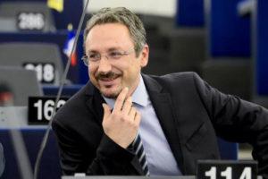 """Rifiuti: Pedicini(M5S), """"in Calabria ci sono 23 discariche irregolari"""""""