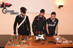 Criminalita': armi e droga sequestrate in appartamento a Reggio