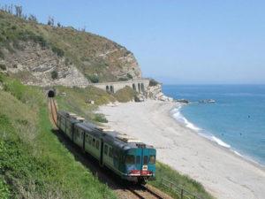 Ferrovie: Bevacqua, Regione in direzione giusta per linea ionica