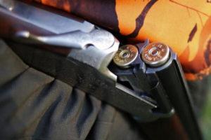 Sicurezza: Enna,litiga e spara contro auto familiari,ore di paura