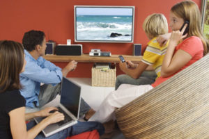Data Journalism: italiani vedono tv ma smartphone sempre in mano