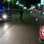 Aggredisce carabiniere posto blocco, arrestato per resistenza p.u.