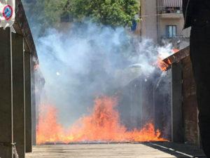 Incendio danneggia ponte pedonale su fiume Busento a Cosenza