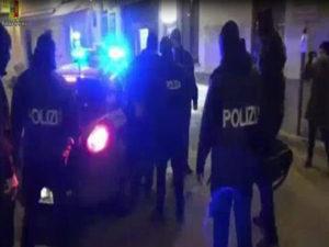 Istigava alla jihad, arrestato un iracheno a Crotone