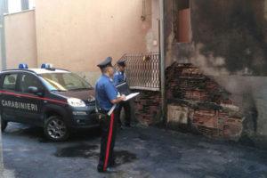 Incendi: anziana donna soccorsa dai Carabinieri a Roccabernarda