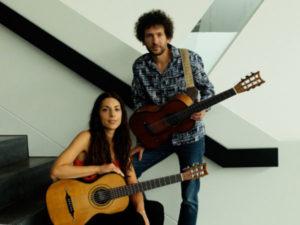 """Le serate musicale di """"Chitarre e oltre"""" a Corazzo con Duo Dubes"""