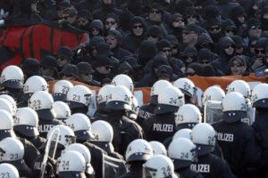 G20: 6 italiani rinviati a giudizio, rilasciati 13 su 16