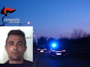 Tenta di rubane auto, 42enne arrestato dai Cc a Reggio Calabria