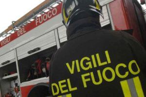 Incendio in una palazzina a Cosenza, famiglie a rischio