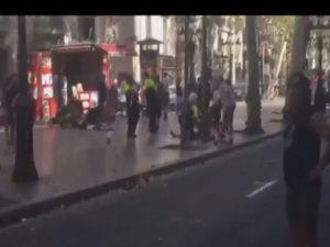 Barcellona: 'Cadena Ser', almeno 13 morti in attentato