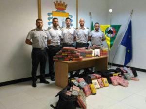 Droga: Gdf sequestra 220 chili di cocaina in porto Gioia Tauro
