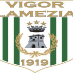 Calcio: l'Asd Vigor Lamezia 1919 tessera tre calciatori