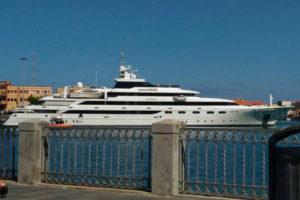 Ferragosto: a Vibo Marina il mega yacht di Rania di Giordania