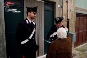 Falsi dipendenti Inps truffavano anziani, denunciati a Botricello