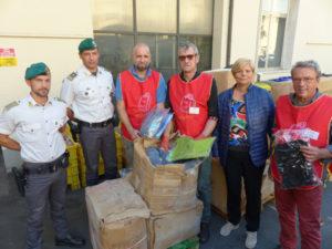 Gdf Prato dona ai bisognosi 4 mila capi abbigliamento