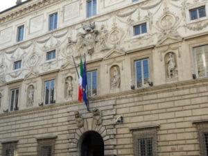 Comune Catanzaro: Consiglio Stato, legittimi incarichi gratuiti