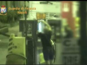 Contrabbando carburanti, sequestri nel Napoletano per 17 mln euro