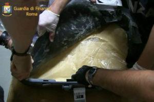 Droga: Gdf sequestra oltre 11 kg. di eroina a Fiumicino