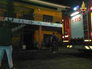 Bar incendiato nella notte nel Vibonese