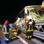 Incidenti stradali: doppio scontro A2, morti autista bus e donna
