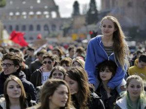 Scuola: alternanza lavoro, studenti in piazza in 70 citta'