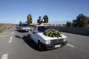 """""""Strada pericolosa"""", corteo carri funebri sulla SS 106 a Crotone"""