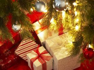 Natale: Coldiretti, budget regali di 208 euro a famiglia