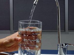 Borgia: comune vieta l'uso di acqua per uso potabile