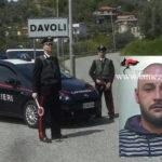 Finto poliziotto tenta estorcere 12.000 euro, arresto a Davoli