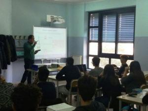 """Gli studenti del liceo """"Guarasci"""" di Soverato in Arpacal"""