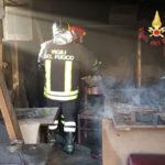 Catanzaro: Incendio magazzino in viale Magna Grecia