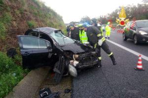 Incidenti stradali: scontro sull'A2 direzione Nord, tre feriti