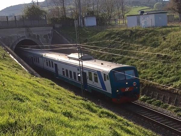 f51abd5f1a678 Incidente ferroviario nel Cosentino, soccorsi in azione