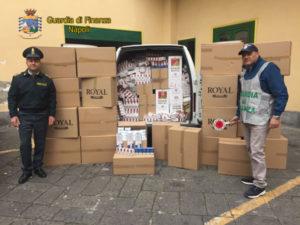 Contrabbando: sigarette illegali nel Napoletano, 14 arresti