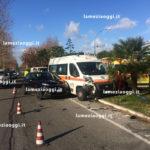 Lamezia, incidente tra auto e ambulanza 118 davanti ospedale