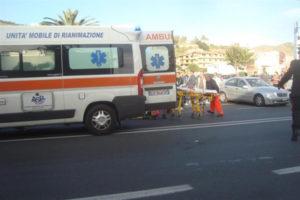 Incidenti stradali: giovane donna muore sulla '106' nel Reggino