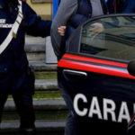 Violenza donne: ai domiciliari aggredisce compagna, arrestato