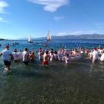 Capodanno: in 100 si tuffano in mare, Crotone saluta il 2018