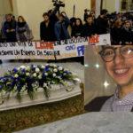 Giovane ucciso: in migliaia ai funerali a Crotone
