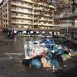 Lamezia: le vie della città letteralmente invase da spazzatura