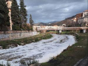 Schiuma bianca nel fiume Busento, analisi dell'Arpacal