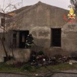 Incendio in un'abitazione nel Catanzarese, nessun ferito