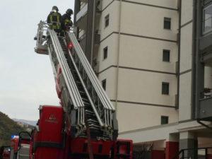 Incendi: frigorifero in fiamme, appartamento distrutto a Cosenza